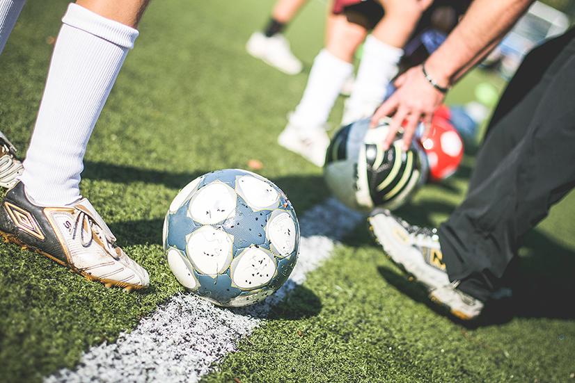 Языковые курсы и программа подготовки для начинающих и профессиональных футболистов