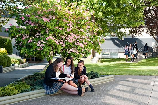 Glenlyon Norfolk School (GNS) – престижное среднее образование в Канаде для украинцев